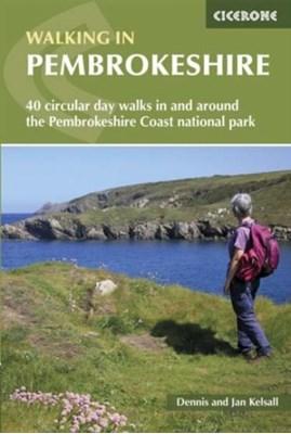 Walking in Pembrokeshire Dennis Kelsall, Jan Kelsall 9781852849153