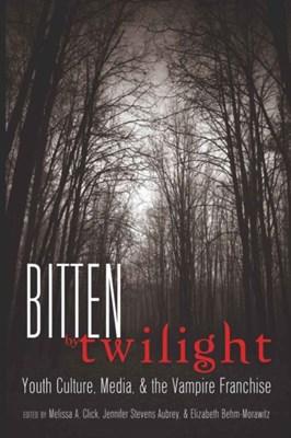 Bitten by Twilight  9781433108938