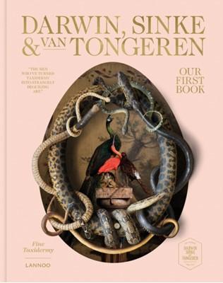 Our First Book: Fine Taxidermy Ferry van Tongeren, Helen Chislett, Jaap Sinke 9789401449144