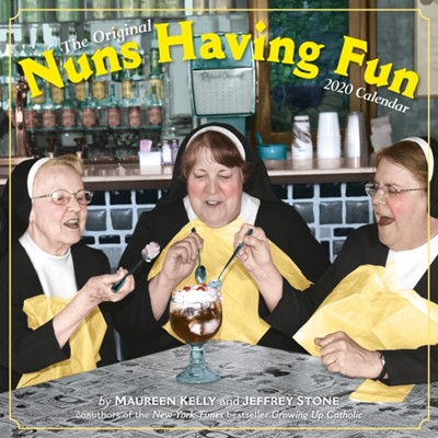 2020 Nuns Having Fun Wall Calendar Maureen Kelly, Jeffrey Stone 9781523506057