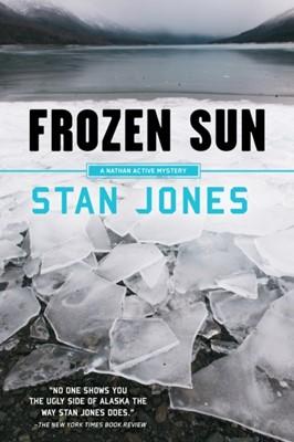 Frozen Sun Stan Jones 9781641290067