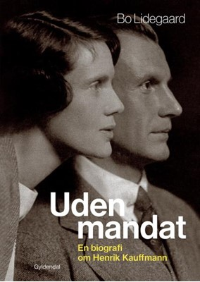 Uden mandat Bo Lidegaard 9788702299991